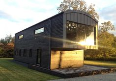 A sustainable energy efficient, Para 55 Passivhaus, that utilizes the latest renewable technology. Chic Beach House, Architecture Sketchbook, Natural Building, Sustainable Energy, Private School, New Builds, Contemporary Architecture, Case Study, Exterior Design