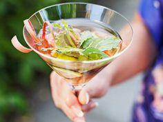 Lättlagad buffé till sommarens alla fester recept | Allas Recept Alcoholic Drinks, Cocktails, Mojito, White Wine, Love Food, Food And Drink, Vegetarian, Snacks, Dinner