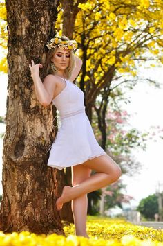 Perfect Summer outfits Ideas For Holiday Style Picture Poses, Photo Poses, Girl Photography Poses, People Photography, Foto Art, Holiday Fashion, Holiday Style, Girl Poses, Belle Photo
