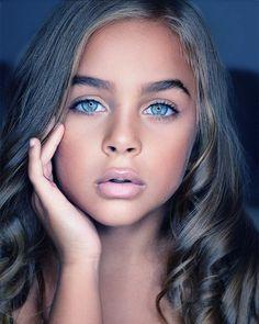 Gorgeous Eyes, Pretty Eyes, Beautiful Smile, Cool Eyes, Simply Beautiful, Amazing Eyes, Really Pretty Girl, Pretty Woman, Pretty Girls