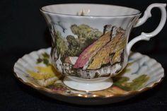 Royal Albert pueblo inglés cottage escena teacup y platillo, un conjunto de patrón #250, llamado c. 1970