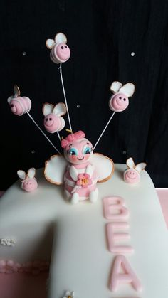 MM sugar paste edible cake Topper Gravity cakes Pinterest