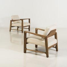 Harvey Probber (1922-2003) Paire de fauteuils Noyer et tissu Date de création : vers 1960 H 65 × L 67 × P 68 cmPiasa