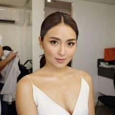 Beauty inside out Filipina Actress, Filipina Beauty, Daniel Padilla, Fresh Makeup, Kathryn Bernardo, Beauty Book, Beauty Inside, Bridal Make Up, Woman Crush