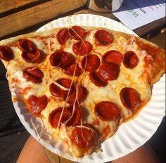 Bewitching Is Junk Food To Be Blamed Ideas. Unbelievable Is Junk Food To Be Blamed Ideas. I Love Food, Good Food, Yummy Food, Junk Food, Comida Pizza, Pizza Food, Tumblr Food, Food Goals, Tone It Up