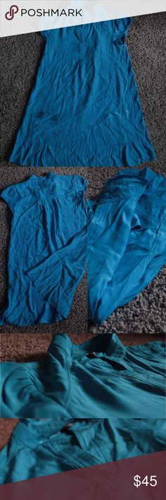 💯% SILK Banana Republic Blue Sexy Babydoll Dress ✨Beautiful 100% Silk material ✨Barely worn and like new ✨Perfect for your spring wardrobe ✨Style with a thin belt and short leather boots ✨Vivid eye-catching color and chic cut 👀 ✨Banana Republic Petites ✨Make me an offer! ✖️️No trades Banana Republic Dresses Midi