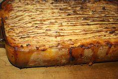 Ruokasurffausta: Cottage Pie - Brittiruokaa parhaimmillaan! Cottage Pie, Banana Bread, Desserts, Food, Tailgate Desserts, Deserts, Sheppard Pie, Essen, Postres