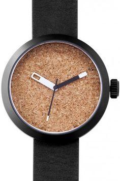 Montre Clomm Noir, fond liège, bracelet cuir noir #watch