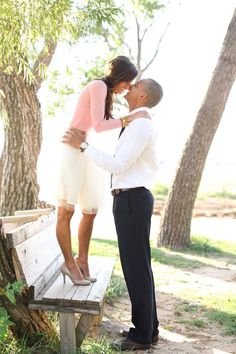 spring engagement photo outfits - Google Search