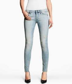 '90s style denim is making its way back this season and these skinny jeans from H & M are a perfect example of what to watch out for!