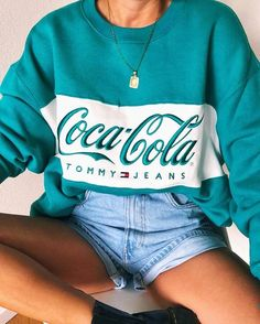 Find images and videos about fashion, style and outfit on We Heart It - the app to get lost in what you love. Teen Fashion Outfits, Retro Outfits, Outfits For Teens, Trendy Outfits, Fall Outfits, Vintage Outfits, Summer Outfits, Fashion Pics, Girl Fashion