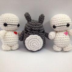 Baby Baymax and Totoro amigurumi by StitchedLoveCrochet on DeviantArt Crochet Crafts, Crochet Toys, Knit Crochet, Crochet Things, Totoro, Baymax, Elsa Frozen, Hello Kitty, Crochet Patterns