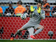 Julio Cesar #Brasil detiene tres penales en 8os de final vs #Chile #Brasil2014