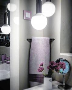 Un toallero corner puede ser la solución para los baños reducidos. Lo  tenemos en más de 30 acabados diferentes y en versión redondeada o ... ebaa646ddbe3