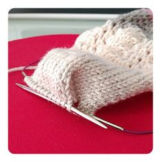 Calcetines, cómo tejer calcetines paso a paso – anaconde | socks&co Knitting Socks, Knitted Hats, Cute Crochet, Winter Hats, Projects To Try, Blog, Fashion Tips, Margarita, Amelia
