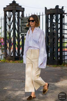 Annina Mislin between the fashion shows. European Street Style, Street Style 2018, Street Chic, Street Style Women, Paris Street, Mode Outfits, Fashion Outfits, Womens Fashion, Fashion Trends