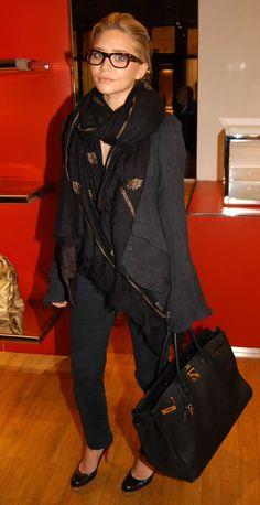 Ashley Olsen www.mylifeisbrill - Icon People - Ideas of Icon People - Ashley Olsen www. Estilo Fashion, Fashion Moda, Look Fashion, Olsen Fashion, Petite Fashion, Curvy Fashion, Runway Fashion, Fall Fashion, Ashley Olsen Style