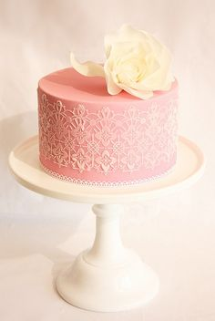 Sweet pink cake with lace frosting detail. Just the kind of bake shop I look for when I'm on holidays. Fancy Cakes, Cute Cakes, Pretty Cakes, Candybar Wedding, Wedding Cakes, Wedding Desserts, Gorgeous Cakes, Amazing Cakes, Fondant Cakes