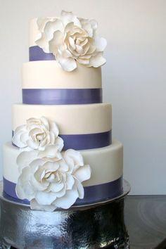 3 lagen taart met grote bloemen