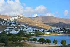 As a summer local, I can say the top things to do on Serifos - an 'undiscovered' Greek island - revolve around appreciating its undeveloped wild landscape, stunning beaches and authentic Cycladic island atmosphere. Here are the top 10 things to do on Serifos island...