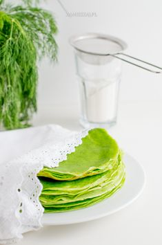 Spinach crepe Salty Foods, Spinach, Good Food, Breakfast, Ethnic Recipes, Decoration, Morning Coffee, Decor, Decorations