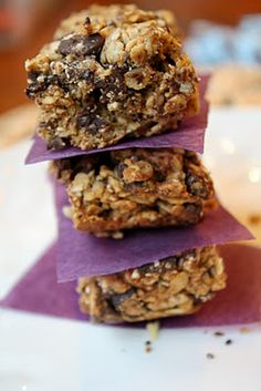 just made another batch of these, seriously SO amazing!  Homemade granola bars, vegan and gluten free