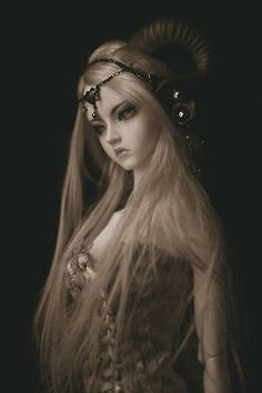 #bjd #doll I love her face and the horns