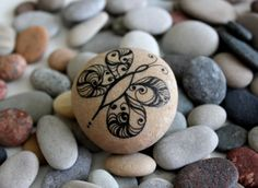 Art Stones - Butterfly love christmas weddings favors family decoration unique gift grafic art rock