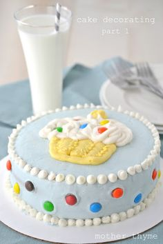 Tons of cake decorating tips