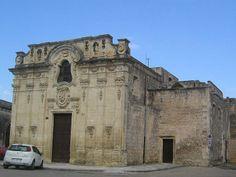 La chiesa di Santa Maria della Visitazione a Castrì di Lecce (provincia di Lecce) venne ricostruita nella metà del XVII secolo sulle fondamenta di una struttura cinquecentesca. Originariamente era la chiesa madre di Castriguarino.