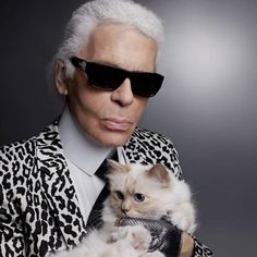 Pin for Later: Ces Célébrités Aiment les Animaux Autant Que Vous Karl Lagerfeld