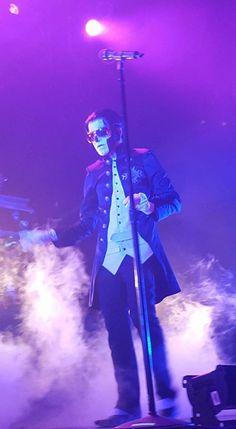 The sunglasses!  :D ♥