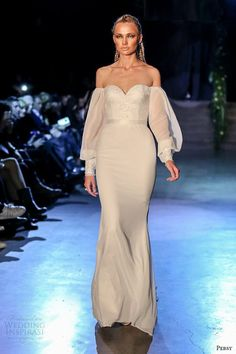 persy couture 2015 wedding dresses bridal off the shoulder loose long sleeves sweetheart neckline corset bodice sheath gown Royal Wedding Gowns, 2015 Wedding Dresses, Bridal Dresses, Prom Dresses, 2017 Wedding, New Look Fashion, Fashion Black, Long Sleeve Wedding, Couture Collection