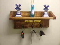 DIY Pallet Key Rack and Shelf | 99 Pallets