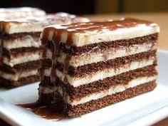 Cuburi de lapte   Retete culinare cu Laura Sava - Cele mai bune retete pentru intreaga familie Sweets Recipes, Cake Recipes, Cooking Recipes, Romanian Desserts, Delicious Desserts, Yummy Food, Cata, Chocolate Recipes, Cupcake Cakes