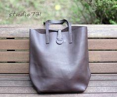 Simple Leather Shoulder Bag