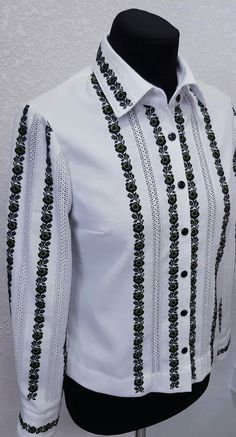 Embroidered Clothes, Chrochet, Textiles, Embroidery, Shirts, Outfits, Costume, Dresses, Women