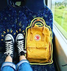 รูปภาพ yellow, grunge, and aesthetic - Gelb Tmblr Girl, Art Hoe Aesthetic, Alien Aesthetic, Aesthetic Grunge, Foto Art, Instagram Story Ideas, Mellow Yellow, Kanken Backpack, Picsart