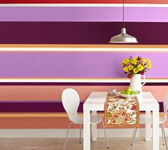 Great idea for the wall you could see from living room! Energize plain walls by painting horizontal stripes around the room. Vary stripe widths for impact! Room Wallpaper Designs, Home Wallpaper, Designer Wallpaper, Striped Walls Horizontal, Painting Horizontal Stripes, Interior Exterior, Interior Walls, Narrow Rooms, Interior Design Inspiration