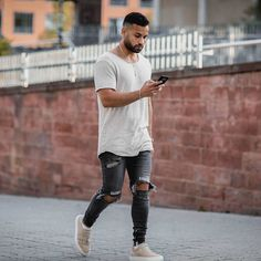 Style by @brandond90 Yes or no? Follow @mensfashion_guide for dope fashion posts! #mensguides #mensfashion_guide