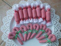 Vianočné ozdoby si môžete aj ušiť. Stačí nápad, materiál a trochu trpezlivosti. Autorka. stankabal. Vianoce, vianočné ozdoby, ozdoby na stromček, diy, hand made. Artmama.sk