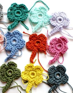 four-leaves for gifts, free crochet patterns - crafts ideas - crafts for kids