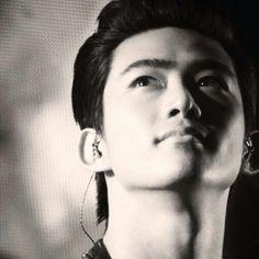 «モノクロ 顎のライン 喉仏 #2pm  #TAECYEON #taecyeon  #taec»