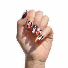 LA polish brand NCLA collaborated with Disney to bring you nail art that features your favorite Disney films and is just evil enough for Halloween. Fun Nails, Pretty Nails, Nice Nails, Secret Nails, Romantic Nails, Korean Nails, Art Disney, Disney Nails, Fabulous Nails