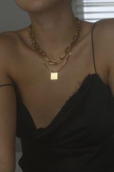 Bezel Set Diamond Necklace/ gold 3 bezel set diamond horizontal bar necklace with white diamonds/ Diamond Necklace Graduation Gift - Fine Jewelry Ideas Pretty Necklaces, Cute Jewelry, Jewelry Accessories, Fashion Accessories, Jewelry Necklaces, Fashion Jewelry, Chunky Jewelry, Pearl Necklaces, Diamond Necklaces