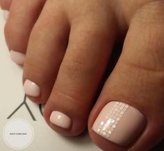 Bright novelties in pedicure design - trends and photo ideas Pedicure Designs, Pedicure Nail Art, Toe Nail Designs, Nail Manicure, Toe Nails, Nail Polish, Nail Services, Innovation, Cute Toes