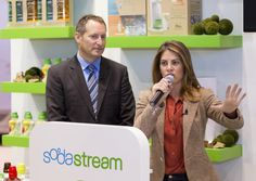 CEO Daniel Birnbaum & Jillian Michaels addressing the crowd at the International Home and Housewares Show. 1 Week Cleanse, Workout Programs For Women, Jillian Michaels, Men Style Tips, Fashion Advice, Detox, Weight Loss, America, Mens Fashion