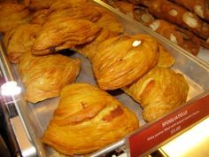 Freshly baked sfogliatelle - Carlo's Bake Shop - Cake Boss - Ridgewood - New Jersey - Tony Mangia - Devil Gourmet - www.DevilGourmet.com