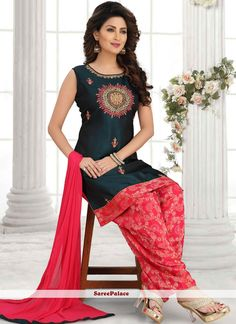 Buy online beautiful collection of party wear salwar suit and casual wear salwar suit. Shop this art silk black embroidered work salwar suit. Black Punjabi Suit, Punjabi Dress, Latest Punjabi Suits, Salwar Suits, Salwar Kameez, Dress Outfits, Dress Up, Celebrity Gowns, Indian Party Wear