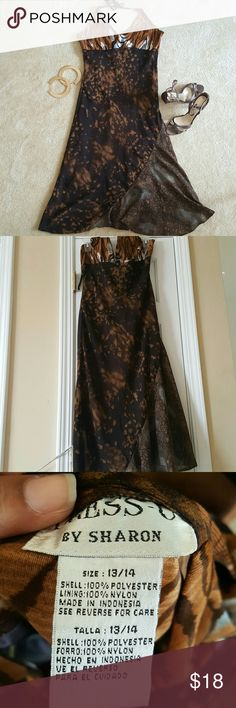 saleHalter print dress Worn once. Smoke and pet free home. No stains or tears. Perfect for the hot summer days to come. Grab while u can. U don't wanna miss out on this beautiful dress in your closet. Size 13/14 Dresses